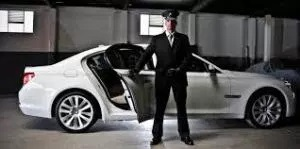 Top 5 Reasons to hire a Chauffeur